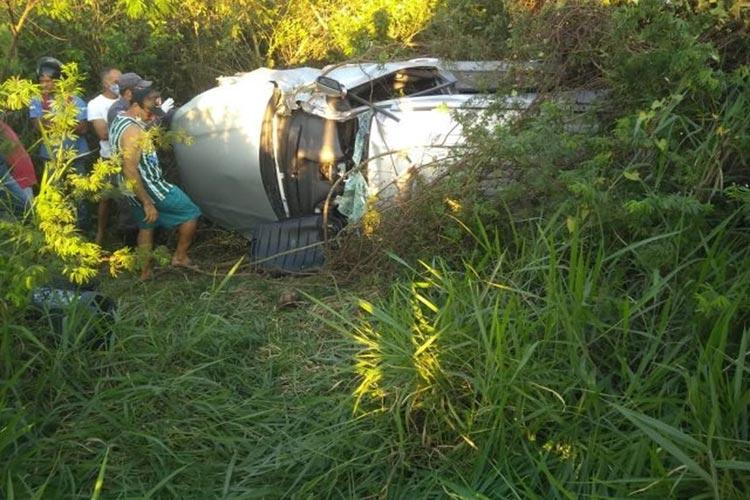 Cantor da banda Chicana sofre acidente de carro e morre na BR-116 em Feira de Santana