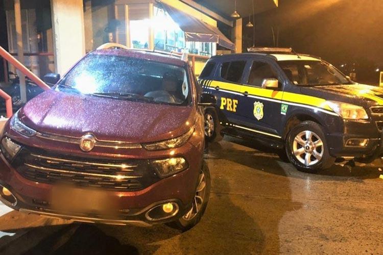Vitória da Conquista: PRF recupera caminhonete e prende motorista por uso de documento falso e receptação