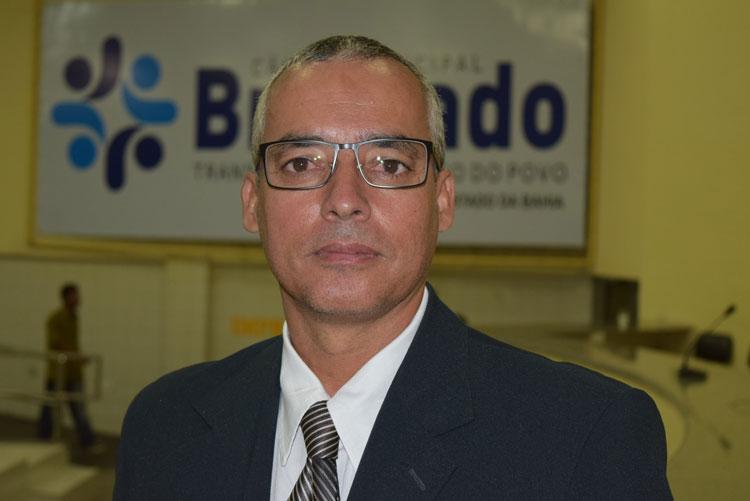 Brumado: Santinho lamenta retornar à Câmara tendo que substituir amigo que morreu vítima da Covid-19