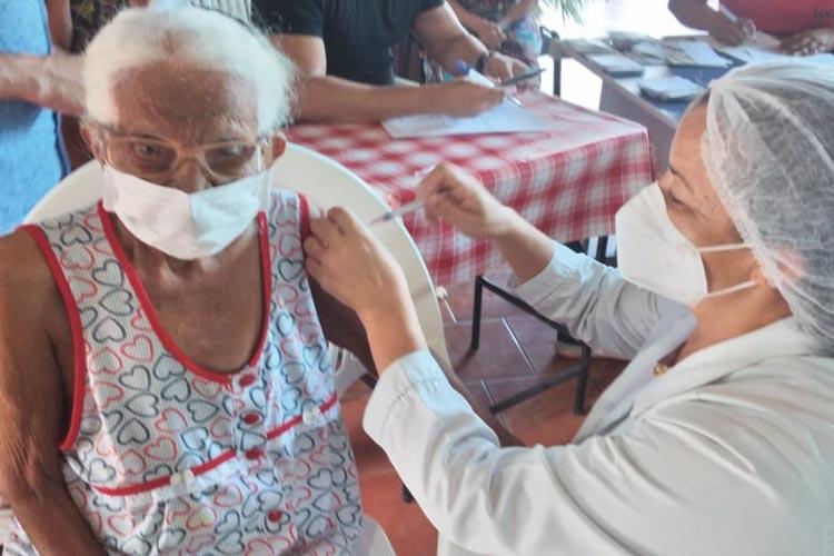 469 vacinas contra o coronavírus já foram aplicadas em Brumado