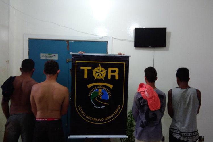 BA-262: Quatro indivíduos acusados de tentativa de estupro são presos, entre as cidades de Anagé e Caraíbas