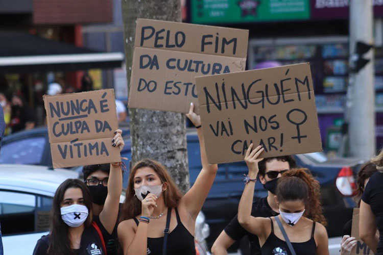 Quase 9% das mulheres sofreram alguma violência sexual, diz IBGE