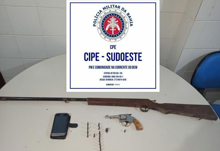 Indivíduo é preso por posse ilegal de armas de fogo em comunidade rural de Urandi