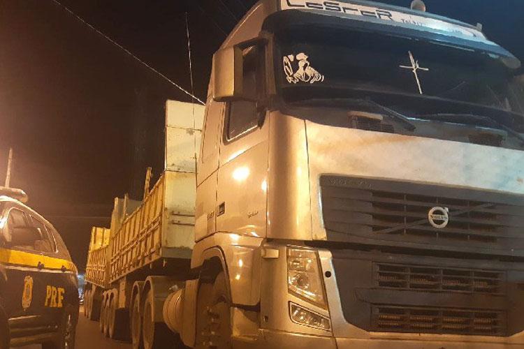 PRF recupera caminhão roubado e detém brumadenses de integrar quadrilha criminosa