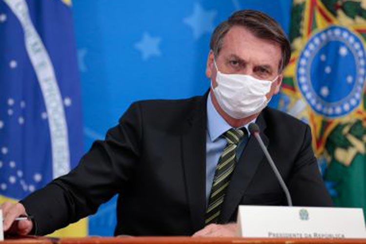 Brasil terá no mínimo 220 milhões de vacinas em março, afirma Jair Bolsonaro