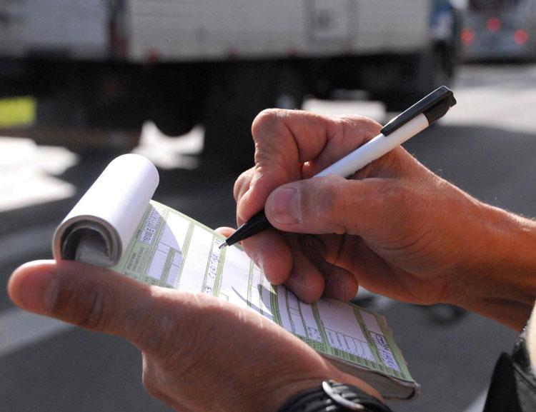 Multas de trânsito poderão ser parceladas no cartão de crédito