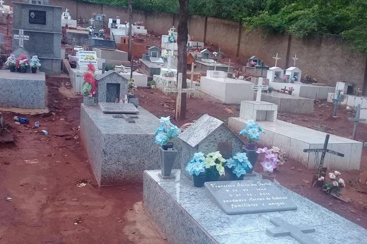 Brumado: Prefeitura idealiza terceirizar manutenção dos cemitérios