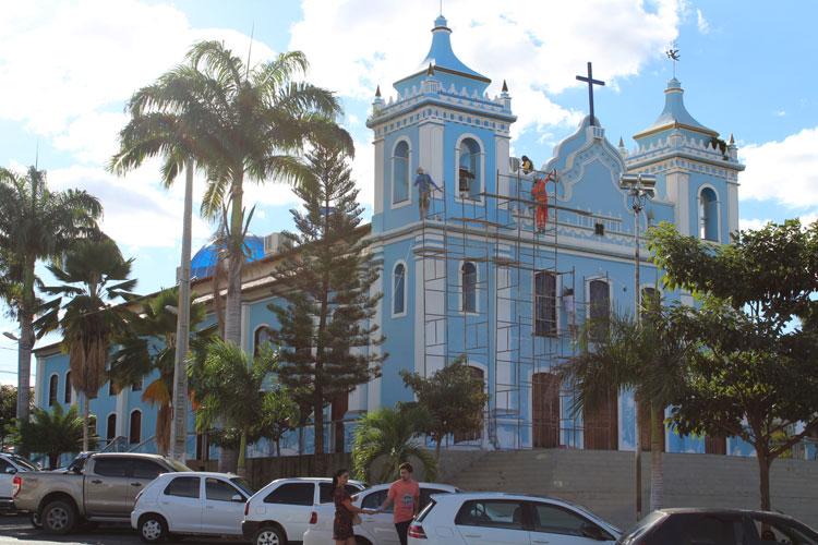 Brumado: Igreja Matriz recebe retoque de pintura para festa do Bom Jesus