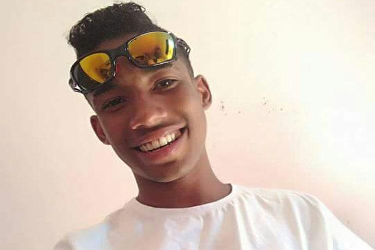 Guanambi: Jovem é morto a tiros na casa da namorada