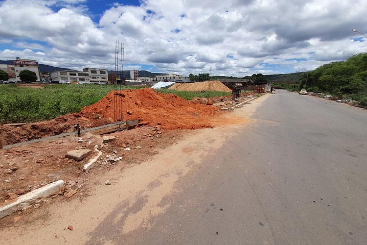 Brumado: Prefeitura e empresário em rota de colisão por conta de obras em terreno onde passa a drenagem da cidade