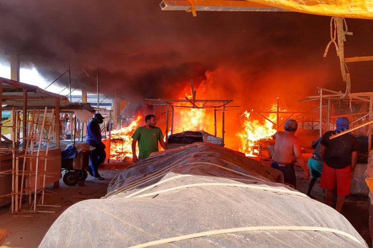 Incêndio atinge Centro de Abastecimento no município de Ipiaú