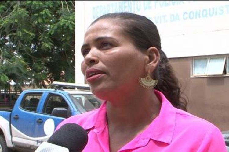 Sem dinheiro, mãe está há um mês sem conseguir enterrar filho em Vitória da Conquista