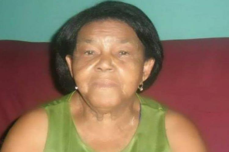 Morre, aos 83 anos, Dona Quita, que há 60 anos vendia as tradicionais fogueiras juninas em Brumado