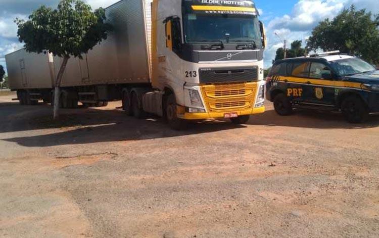 Caminhão-baú com carga avaliada em R$ 1 milhão é recuperado pela PRF na BR-116