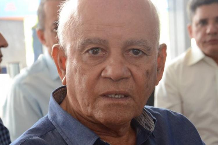 Ibiassucê: TCM multa prefeito Adauto Prates em R$ 3 mil