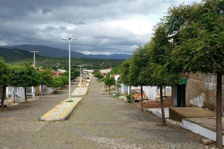 Com 11 casos confirmados de coronavírus, prefeitura de Riacho de Santana suspende obras