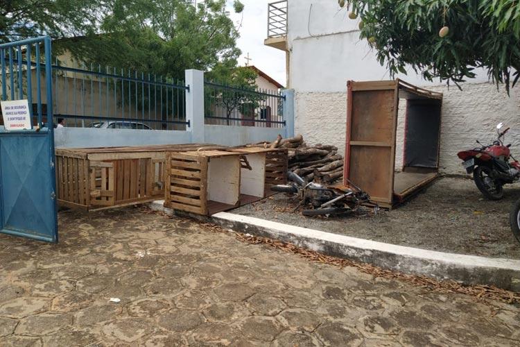 Livramento de Nossa Senhora: Polícia flagra rinha de briga de galo em comunidade rural