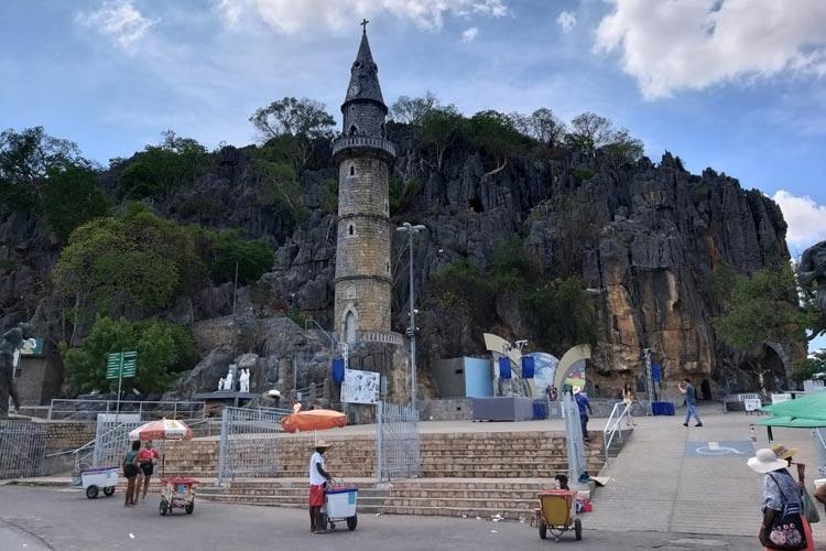 Bom Jesus da Lapa é o único destino brasileiro em lista de templos religiosos mais exóticos do mundo