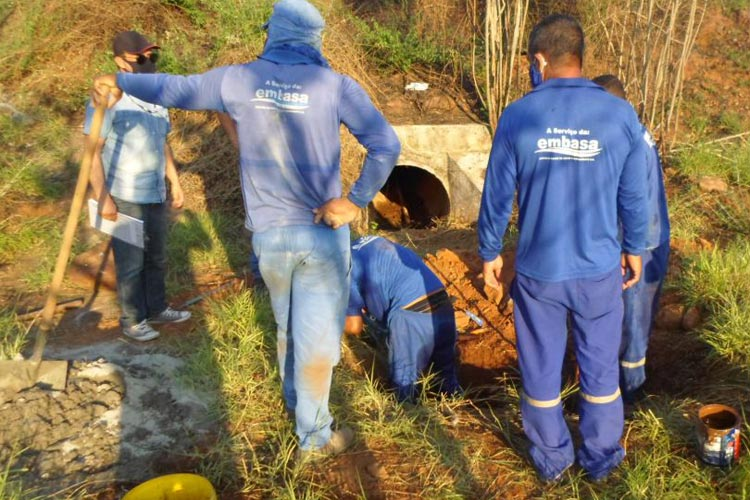 Brumado: Embasa retira ligações clandestinas às margens da BA-148