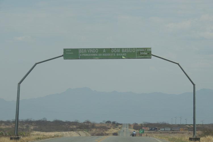 Aviso de licitação para pavimentação de trecho da BA-148 em Dom Basílio é publicado