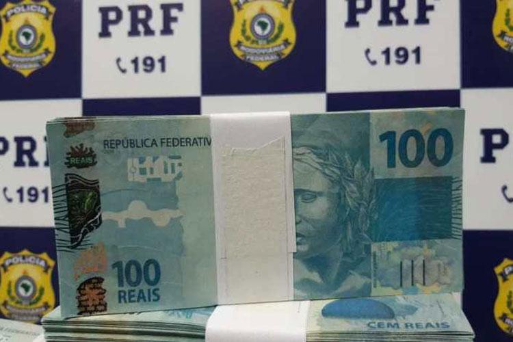 Jequié: Homem é preso pela PRF com mais de R$ 230 mil em notas falsas