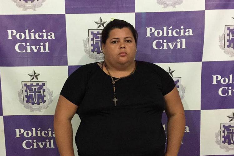 Mulher é presa apontada como mandante do assassinato do marido em Aracatu