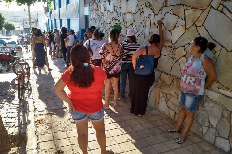 Brumado: Saída de funcionários provoca lentidão na central de marcação