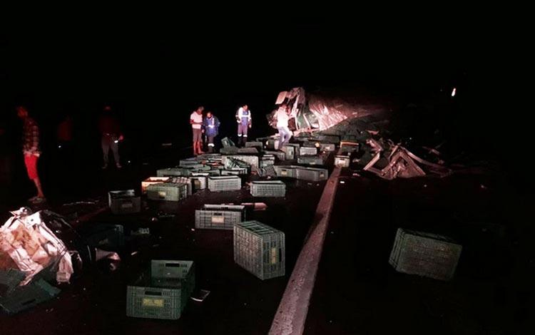 Jaguaquara: Batida entre veículos de carga deixa dois mortos e três feridos na BR-116