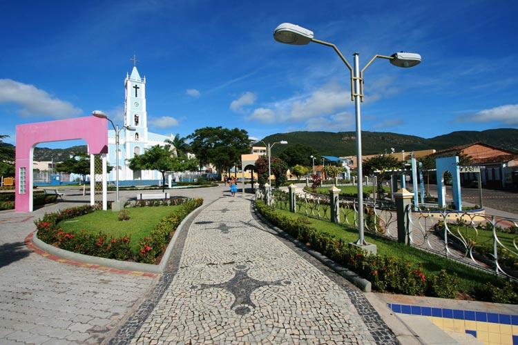 Macaúbas: Polícia prende dupla que tentava extorquir R$ 20 mil para não divulgarem fotos íntimas
