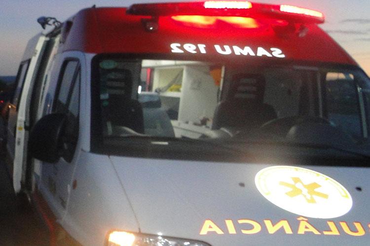 Livramento de Nossa Senhora: Homem encapuzado intercepta ambulância do Samu 192 e executa paciente na BA-148