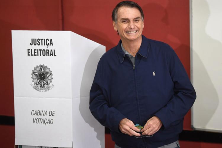 Fake news na eleição pode tornar Bolsonaro inelegível