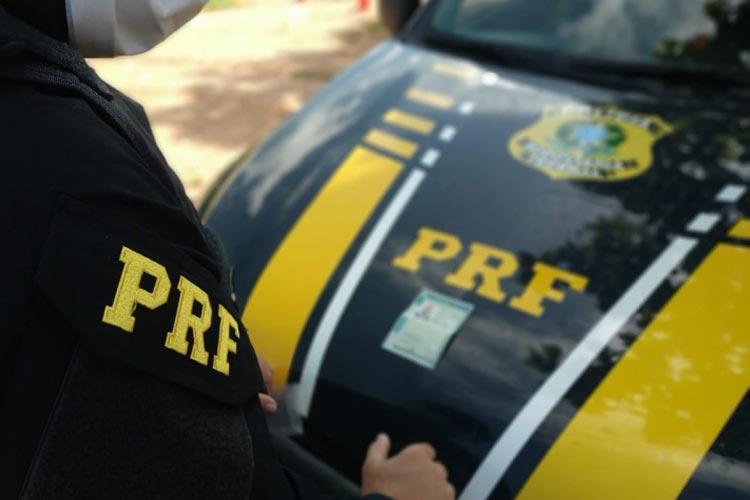 Vitória da Conquista: Com ajuda de QR Code, PRF prende motorista na BR-116 com CNH falsa
