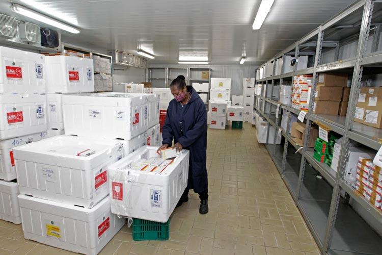 Com esquema especial de segurança, 180 mil baianos serão imunizados contra o coronavírus na primeira fase