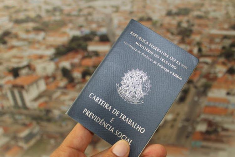 Brasil criou 313 mil vagas com carteira assinada em setembro