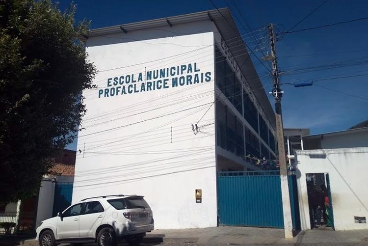 Brumado: Alunos do Clarice Morais escolhem líderes de turma com votação em urna eletrônica