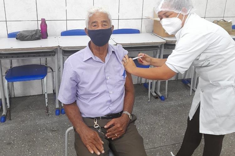 Bahia ultrapassa a marca de 2 milhões de pessoas vacinadas contra a Covid-19