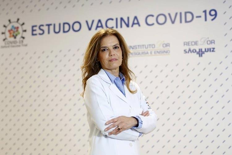 Oxford e AstraZeneca pedirão à Anvisa uso emergencial de vacina contra a Covid-19