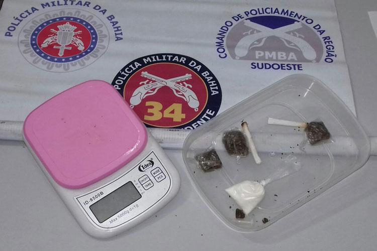 Polícia encontra drogas em residência na zona rural da cidade de Ituaçu