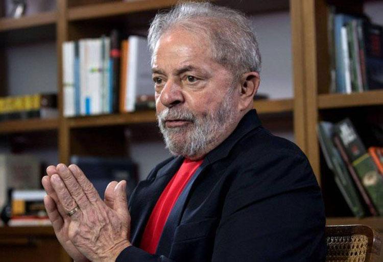 PT vê risco de 'rebeldia popular' se Lula ficar de fora em 2018