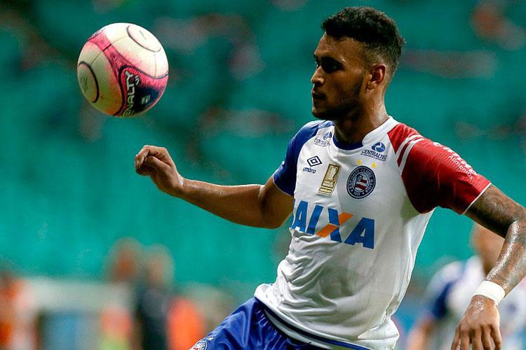 Júnior Brumado se envolve em confusão e é agredido por torcedores do Bahia