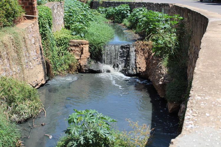 Brumado entre os 50% dos municípios baianos em débito com o esgotamento sanitário