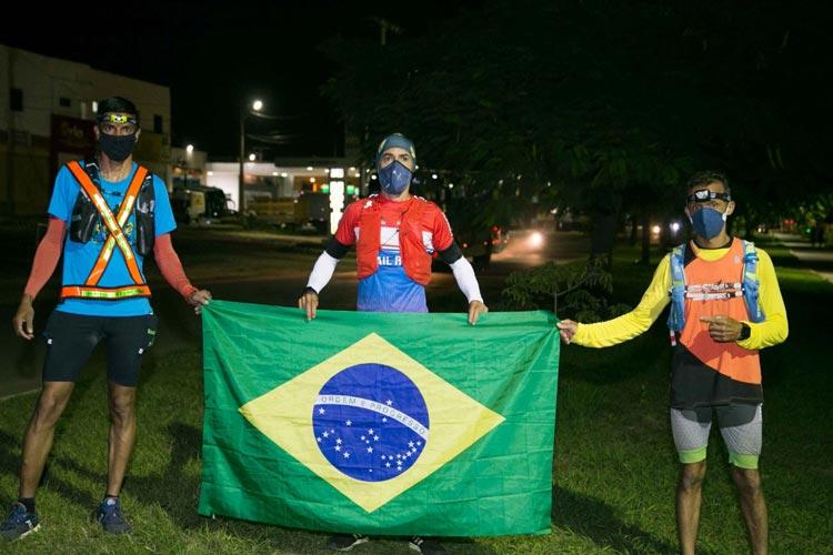 Após 11 horas de prova, maratonista conclui desafio entre Vitória da Conquista e Brumado