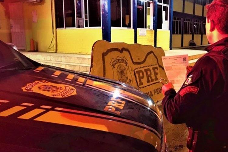 Chapada Diamantina: Foragido com mandado em aberto por homicídio é preso dentro de ônibus