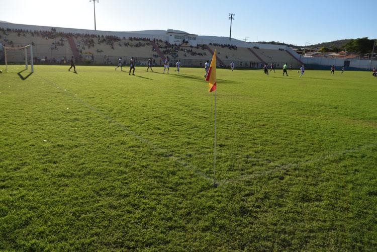 Vitória bate o Botafogo e vai à final do campeonato brumadense de futebol sub-20 contra o Magnesita