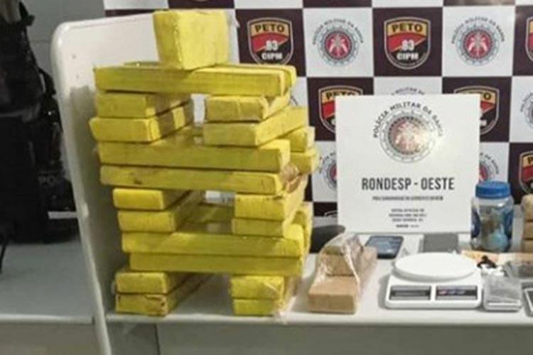 Polícia descobre falsa barbearia como ponto de distribuição de drogas em Barreiras