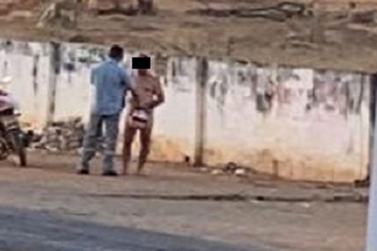 Brumado: Homem circula nu em plena luz do dia pela Avenida Lindolpho Azevedo de Brito