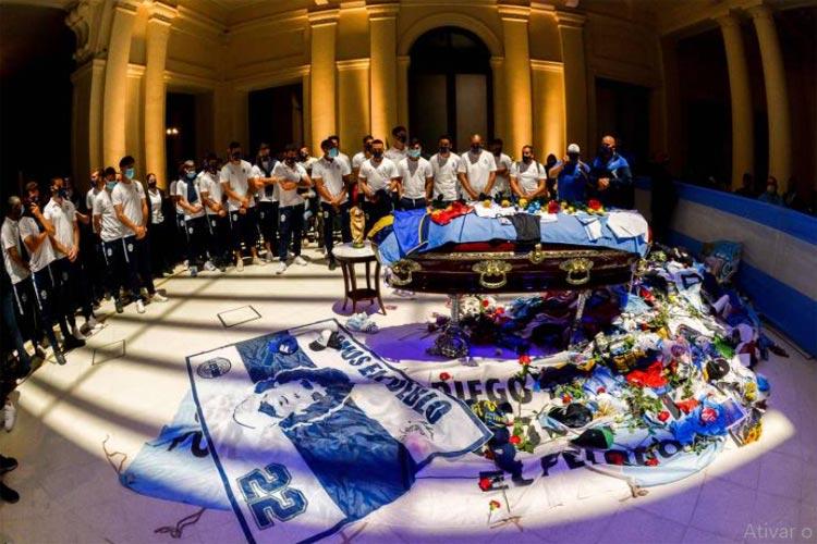 Maradona é enterrado na Argentina