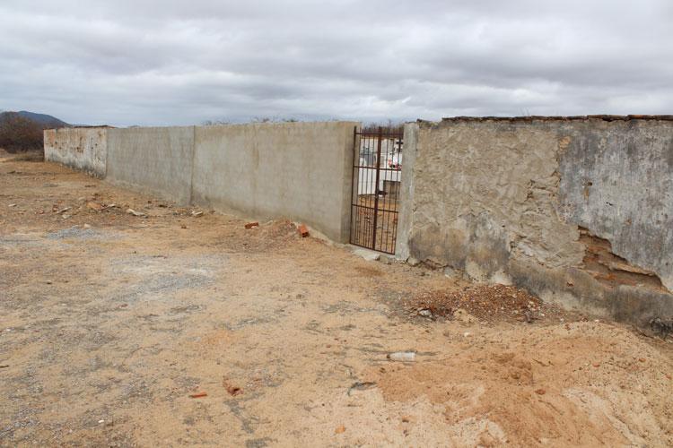 Brumado: Populares cobram manutenção do cemitério de Itaquaraí
