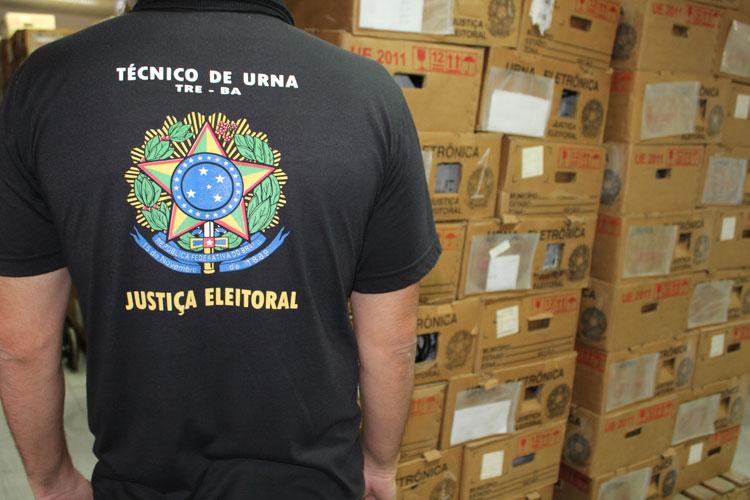 Urnas eletrônicas estão sendo preparadas em Brumado para atender 21 municípios da região