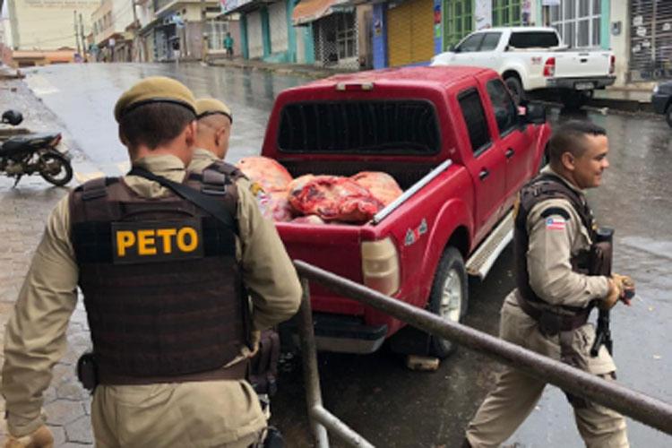 Adab apreende 620 kg de carne clandestina em açougue na cidade de Caetité